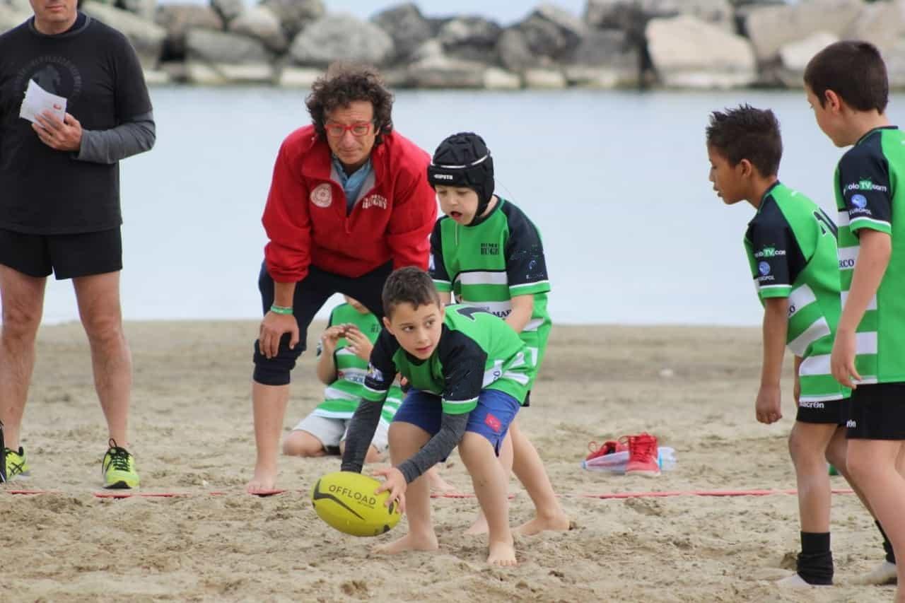 Allenamento in spiaggia rugby