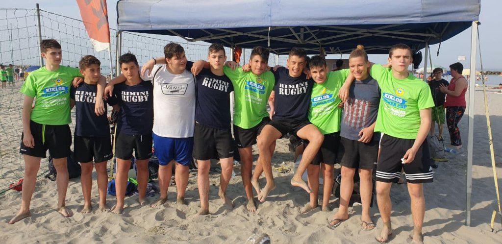 Rugbisti Under 18 sulla spiaggia